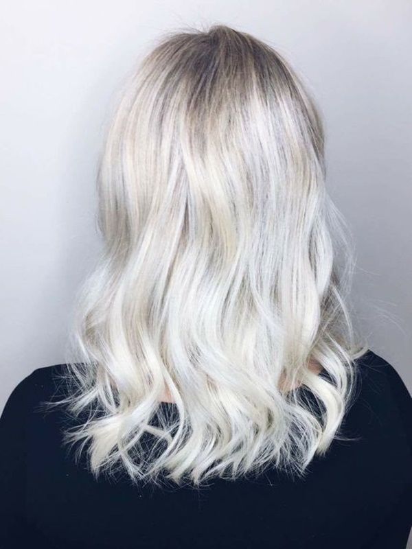 125 Icy White Platinum Hair (Color Ideas and Tips)